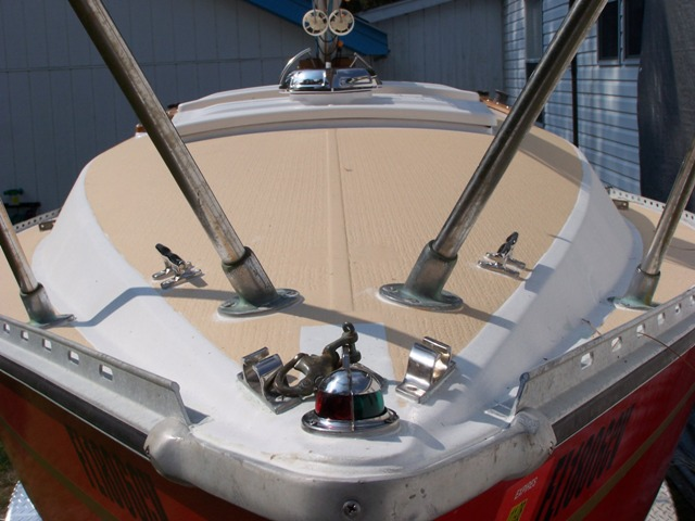 Non skid deck paint images frompo 1 for Boat non slip deck paint